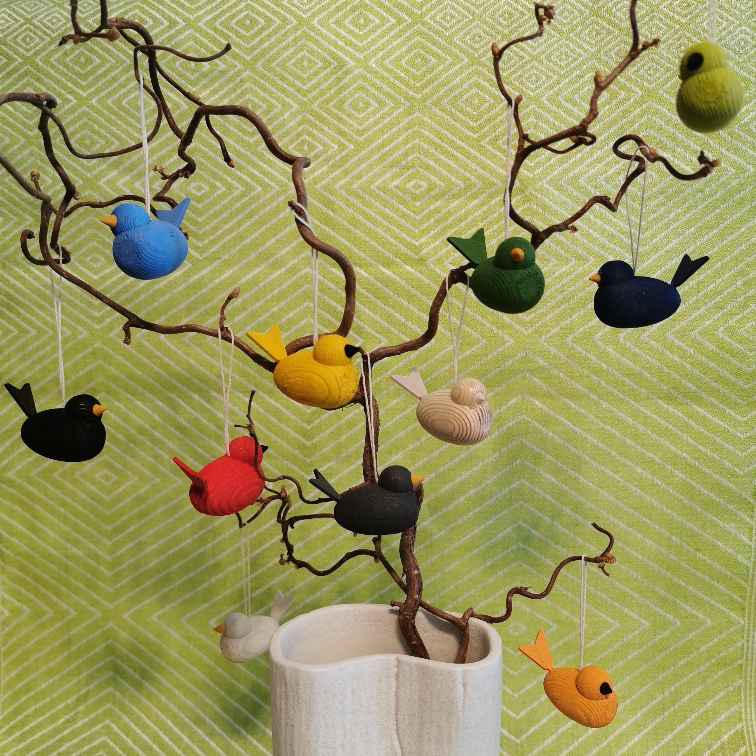 Dekorativa små fåglar hängen Skattkistan