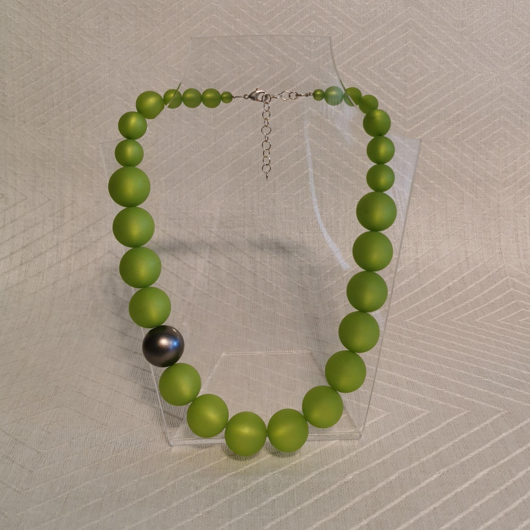 "Halsband ""Marie"" 47-53 cm - 20mm ljusgrön"