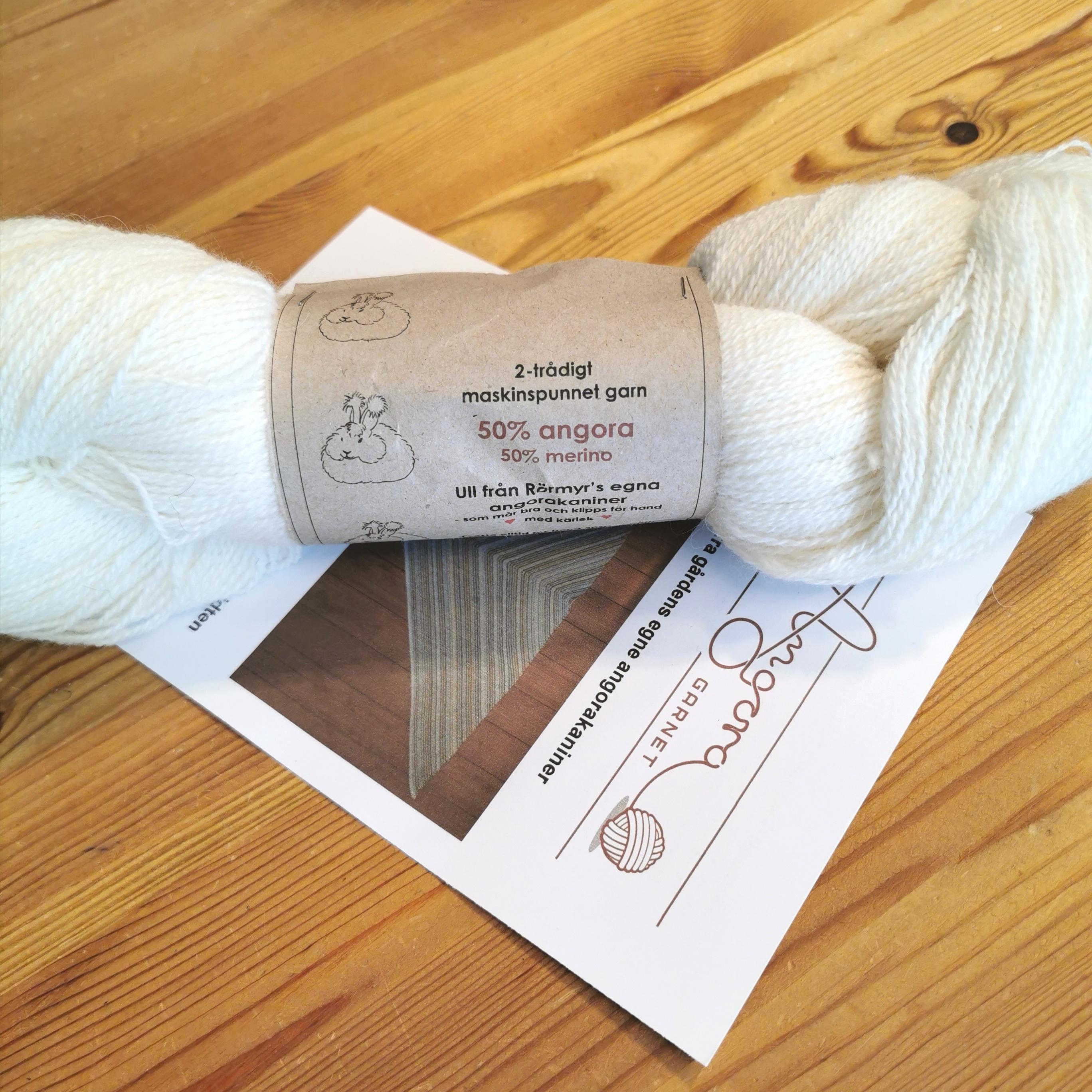 Köp 100 gram naturvitt garn och minst 3 st 5-pach då bjudas på stickbeskrivningen till den skuggstickade sjalen från AngoraGarnet, design Pernille Silfverberg