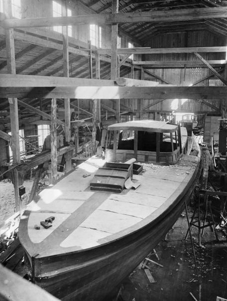 Den mäktiga salongsbåten m/s Togi, 16 meter lång, byggd 1916, byggdes för grosshandlaren Th. Colding i Danmark. Hon var varvets största båtbygge i Gåshaga.