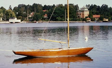4:an Skum byggdes av Sjöexpress 1943, och är än idag i ett strålande gott skick. Foto gm Sail Yacht Society / Bo Berg.