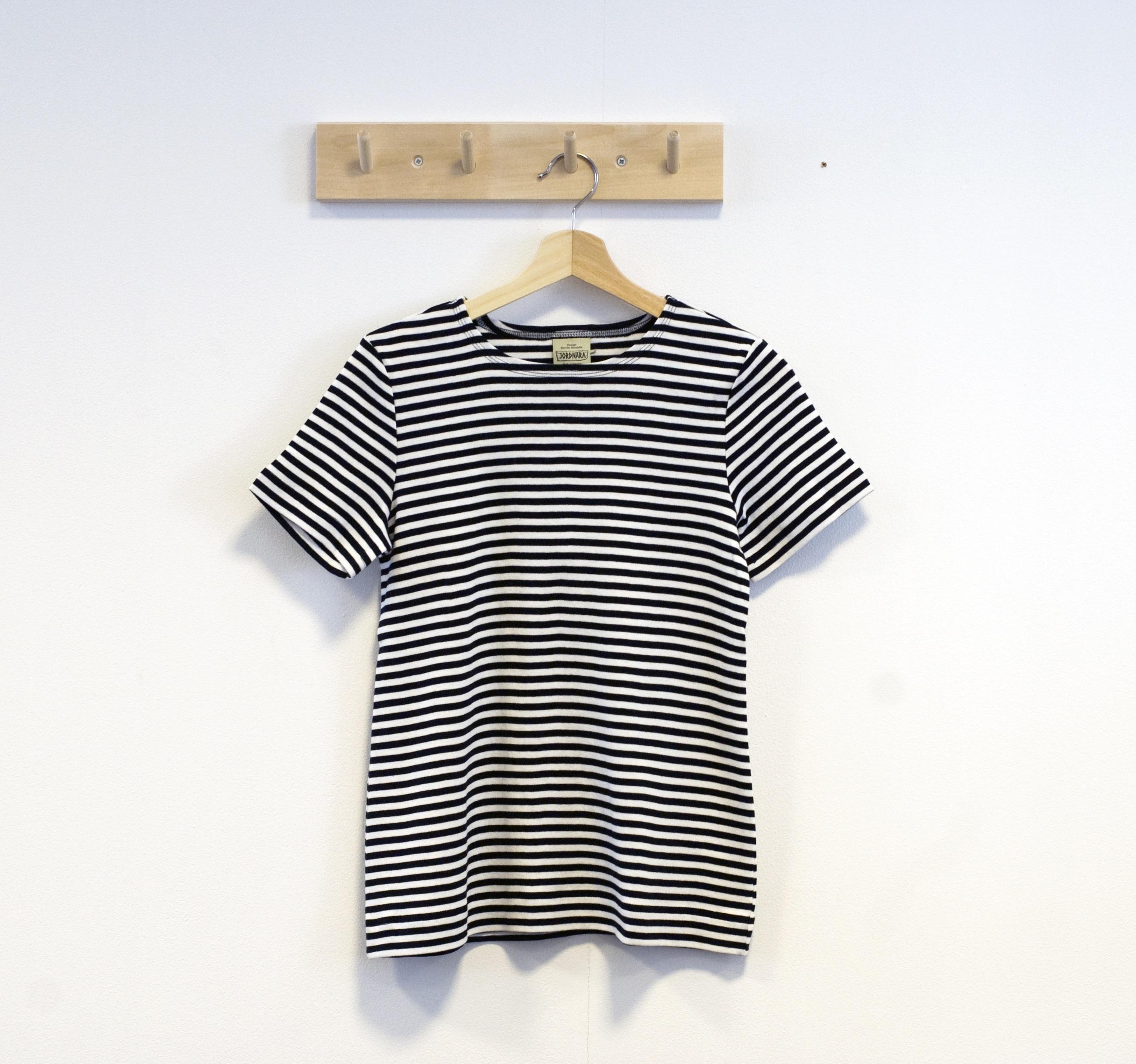 svart vit tshirt