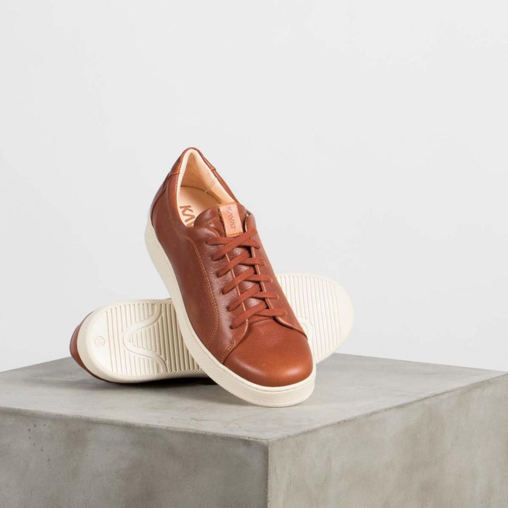 atn1024_kavat-dam-sneaker-ljusbrun-skinn-holmen