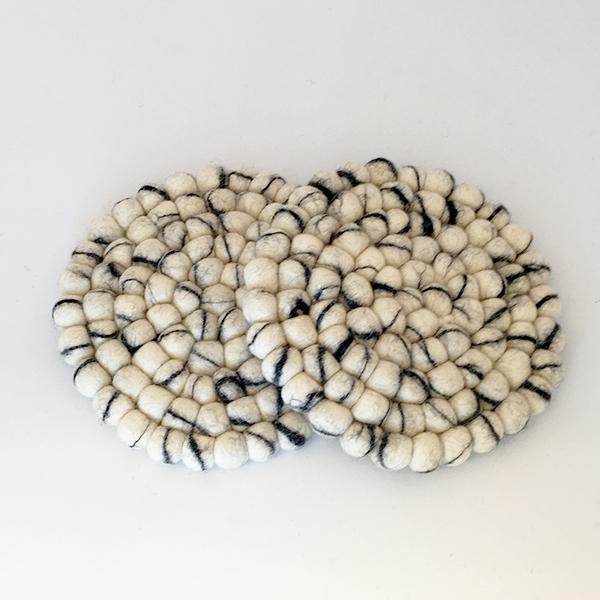 Chunky-underlägg-fairtrade-fairmonkey-folknepal-ull-inredning-snöbär