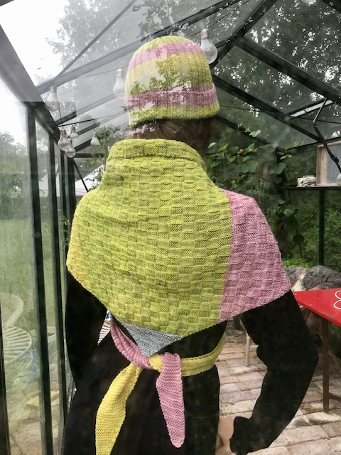 Schal gul,grön,rosa bak