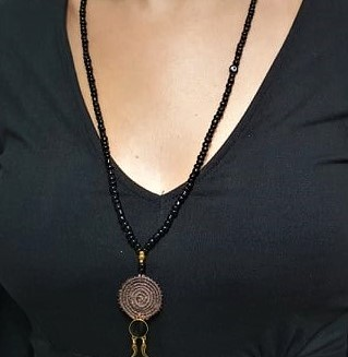 Black and brown neckles
