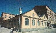 Järnalpha färdig 1898. Mekanisk verkstad. Oförändra yttre in i Signalfanriken. Nu restaurang Public. Se också ingång Signalfabriken under 2025!