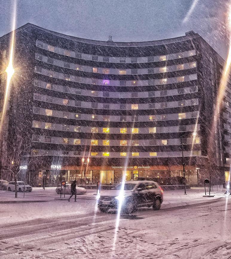 Bankenhuset i snöglopp 26/12. Bild: ac