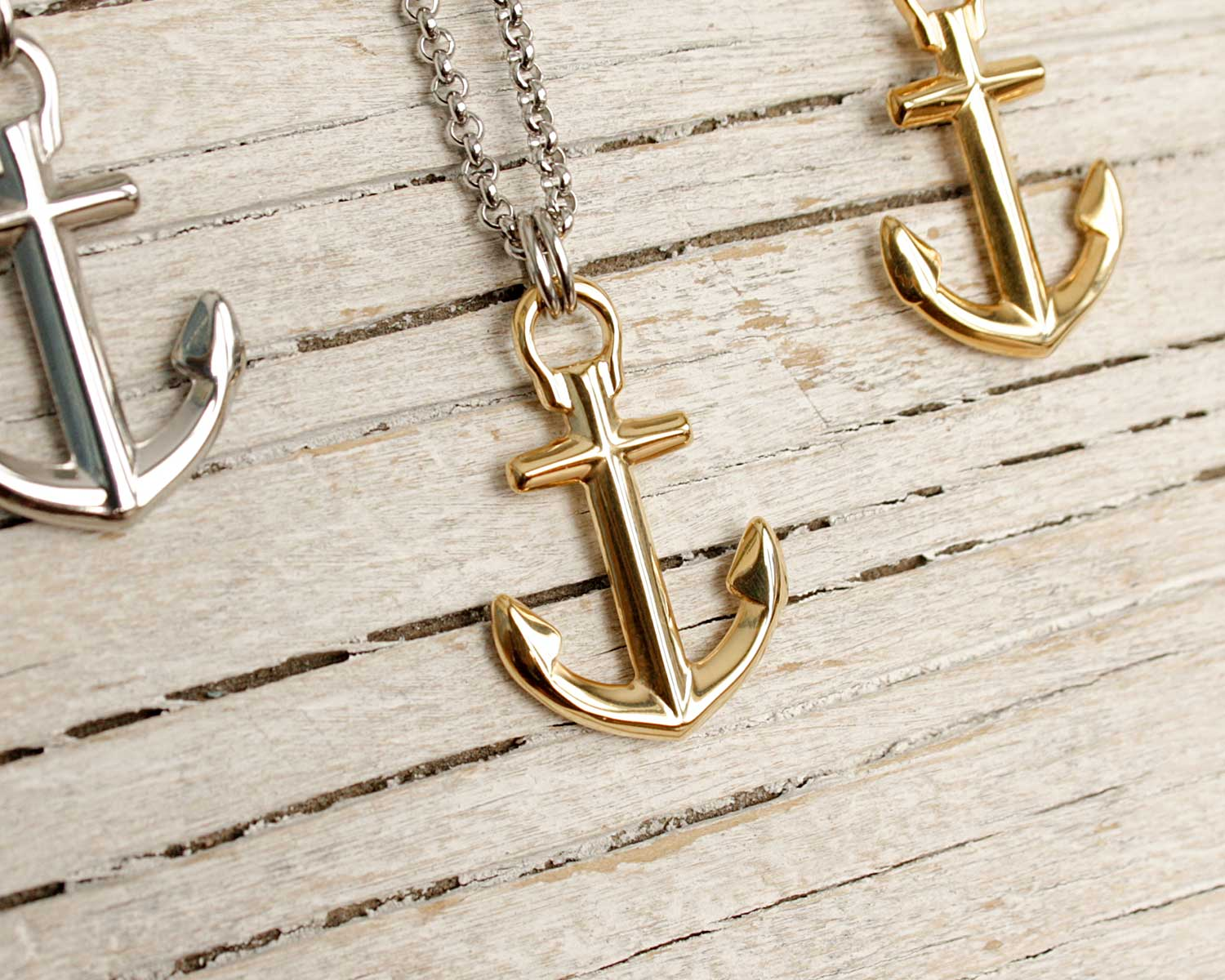 anchorNecklace_silverGold