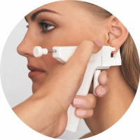 ta hål i öronen skötselråd