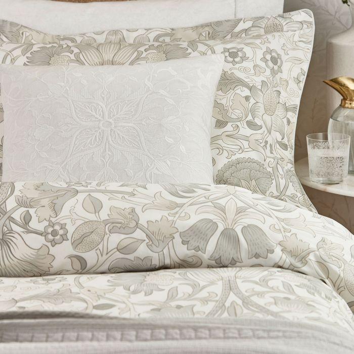 lodden-side-of-bed