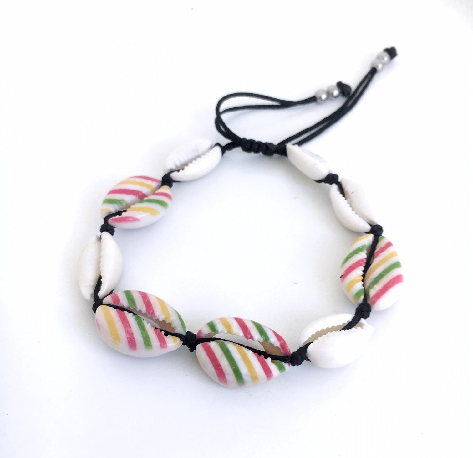 Snäckarmband med färg_randigt_grönt_gilt_rött
