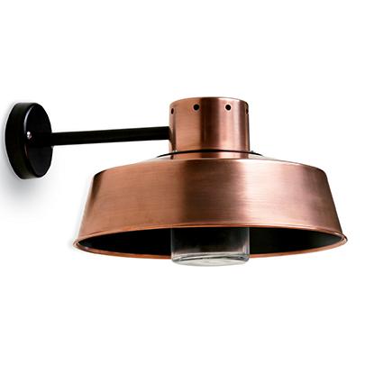 Modern utelampa i koppar - hos Alegni Interiors