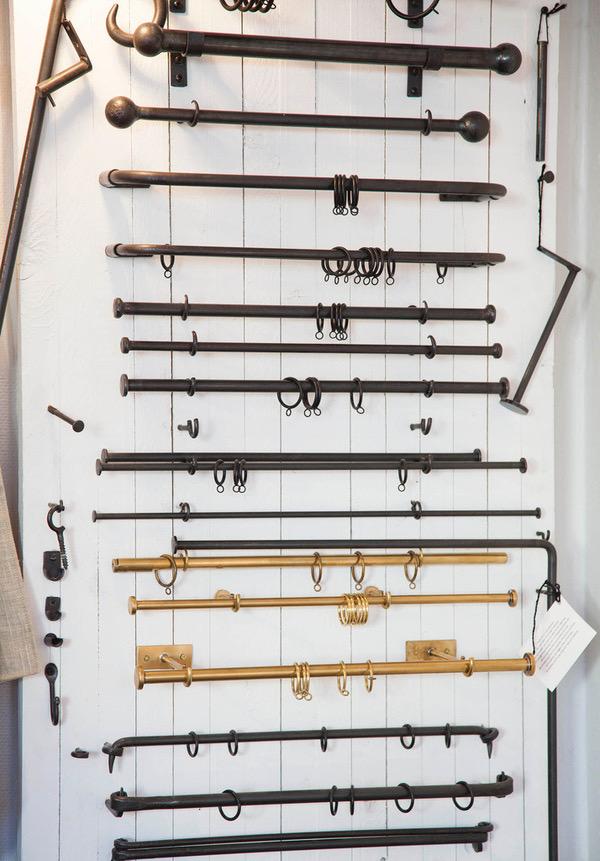 Måttbeställda gardinstänger i smide och mässing - Maria Lilliecreutz Design - hos Alegni Design Interiors Stockholm