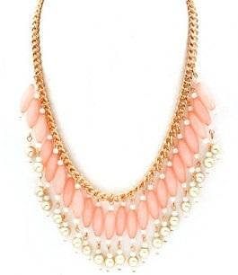 Halsband med rosa pärlor