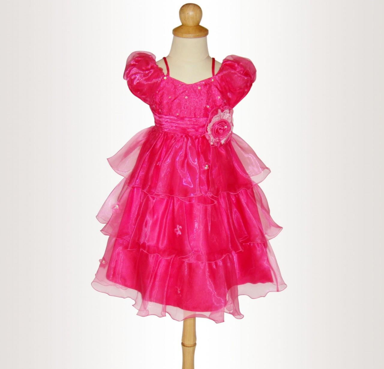 Vacker näbbklänning - Sandras Festkläder - Sandra Enterprise - Stockholm bc8d5a535821b