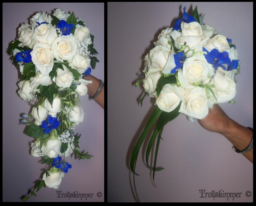 4378755b33af Droppformad brudbukett med handtag och rundbunden tärnbukett med handtag.  Creméfärgad 'Vendela' Ros, blå Delphinium, vit Brudslöja, Murgröna samt  grönt.
