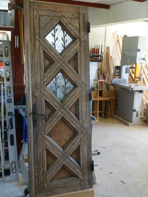 Renoverat en massiv ekdörr