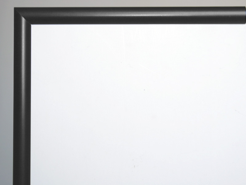Aluram 10mm i svart -halv rund