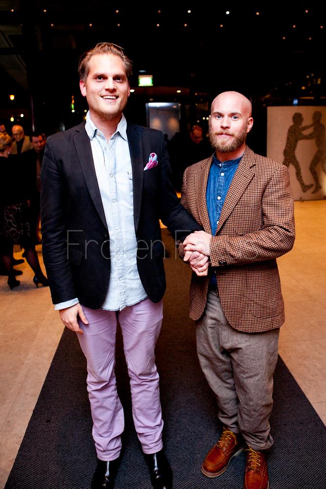 Världen behöver mer kärlek... Christian och Fredrik från Lördagmorgon Produktion sprider lite