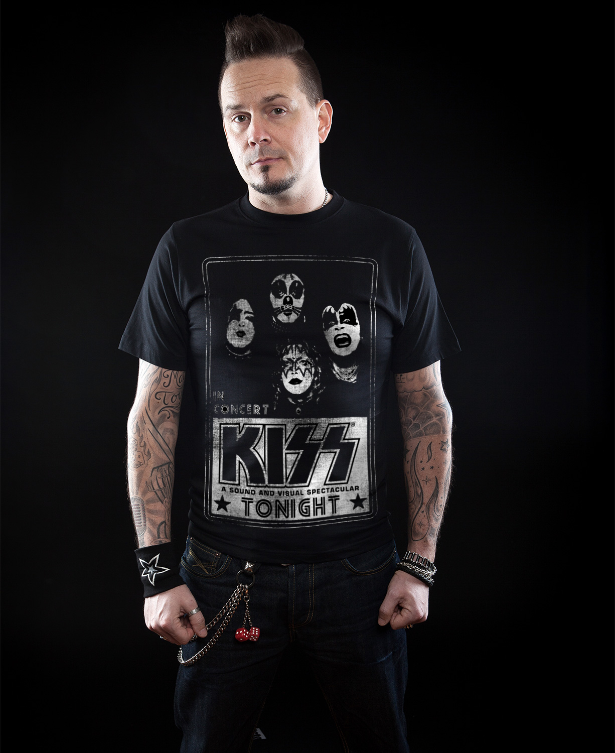 KISS In Concert Distressed Poster T-Shirt - black