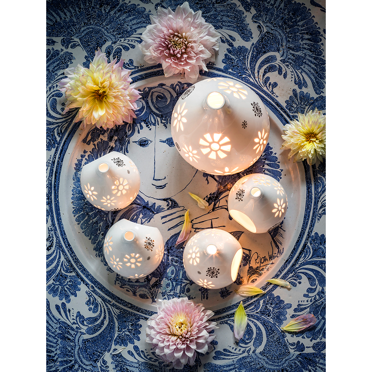 bw-tealight-holder-white-h-13-cm-flowerhead-1500x1500-4 5