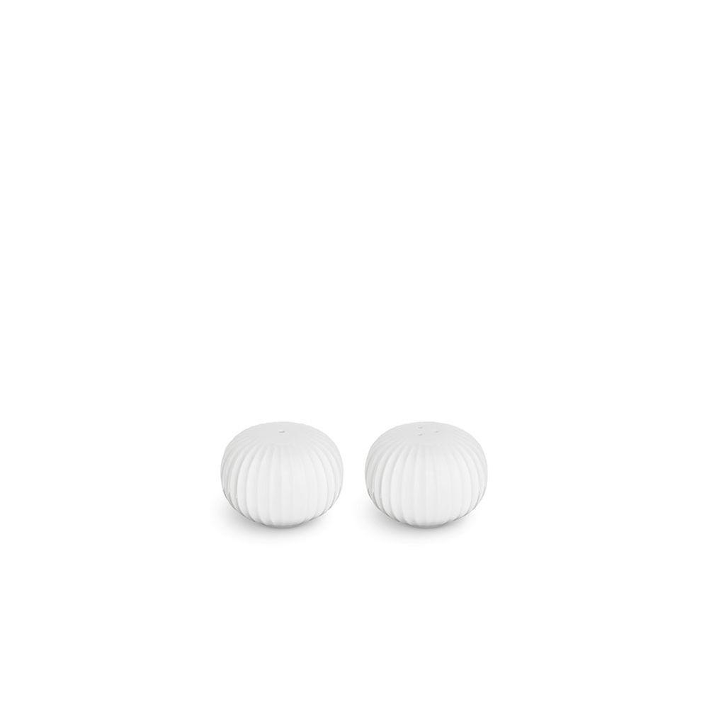16075-hammershoei-salt-pepper-shakers-white-h45