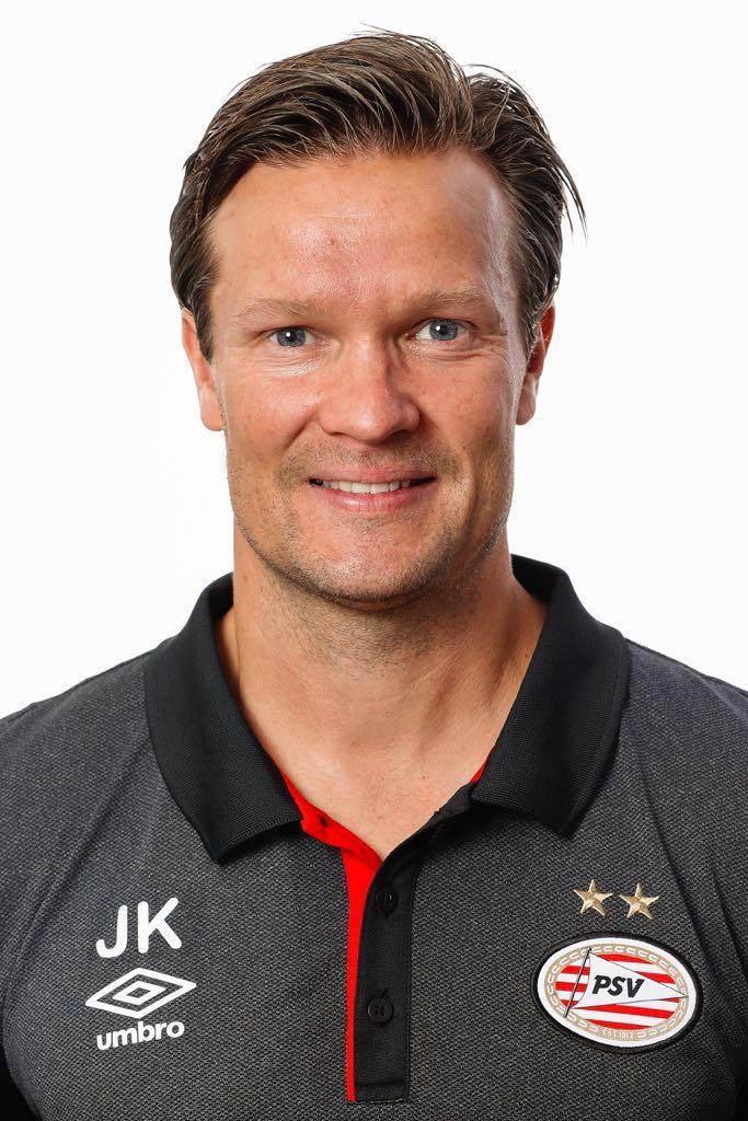 Ljungberg firade ligasegern fran sidan