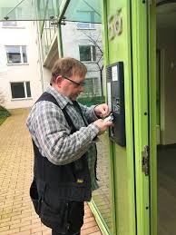 NOCAB Säkerhet AB installerar Siedle porttelefonsystem på Brf Fören i Malml, Skåne.