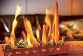 KLICKA PÅ BILDEN: Eld sprider sig mycket snabbt. Se alla filmer som visar dig hur det ser ut.