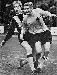 Gert Christiansson i Elfsborgströjan. Gert hann med 35 A-lagsmatcher (och 4 mål) i BoIS innan han gick till Elfsborg. Där gjorde han 219 matcher (och 27 mål) mellan åren 1962 och 1974.