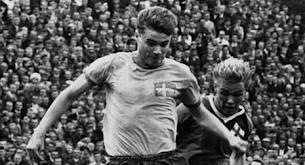 """Roger Magnusson, den mytomspunne högeryttern som""""bara"""" gjorde 14 landskamper och aldrig spelade i Allsvenskan."""