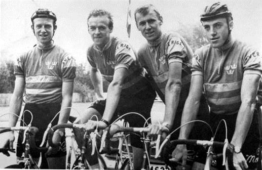 Från vänster Erik, Gösta och Sture Pettersson tillsammans med Sven Hamrin