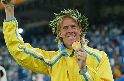 Christian Olsson tog OS-guld 2004 i Athen genom att hoppa 17,79 m.