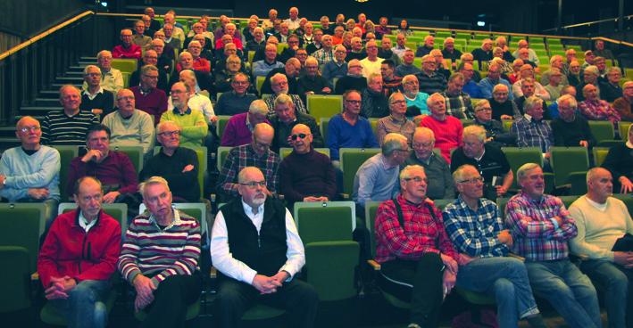 Intresset var stort när Torbjörn Nilsson var gäst på vårt hundrade idrottscafé. Över 160 personer hade kommit till Sparbankshallen , nytt publikrekord för idrottscaféet.
