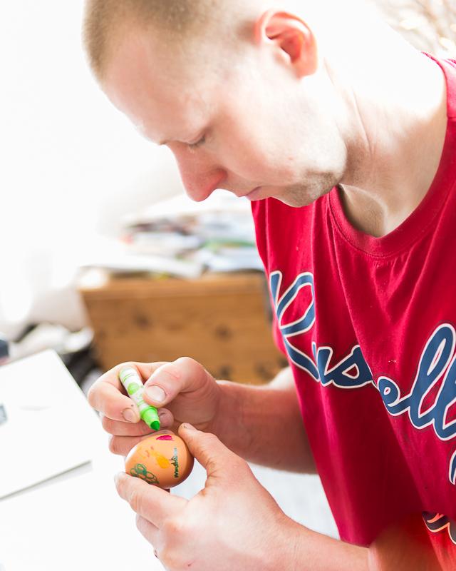 Alla var duktiga på att måla ägg, tom. Sven gick in för det!