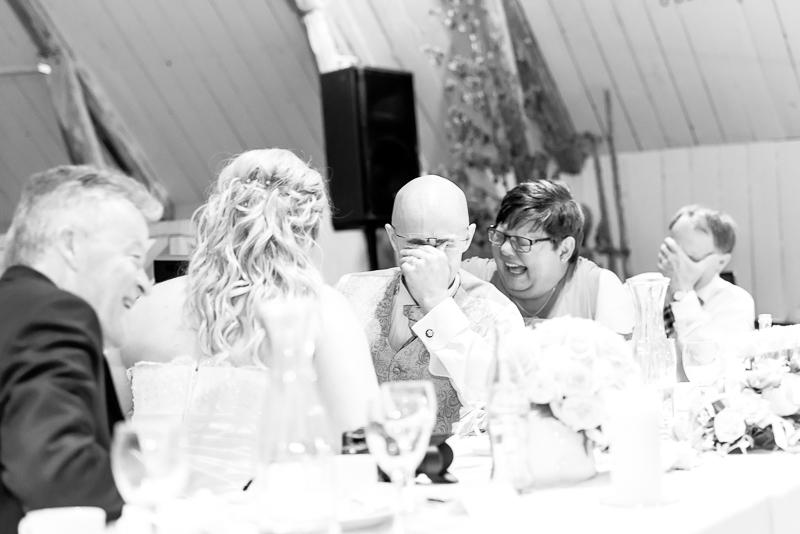 Roligt ska man ha när det är bröllop, och det hade vi!!!