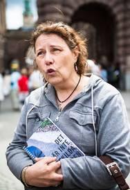 Kerstin Weigl ser en unik brevsamling lämnas till riksdagen