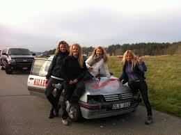 glada tjejer i team Killer babes