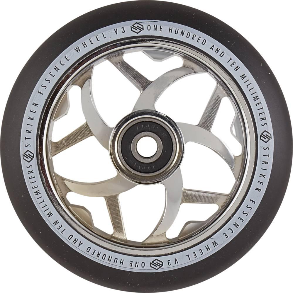 sportstoys.se-striker-essence-v3-black-pro-scooter-wheels-3a-chrome