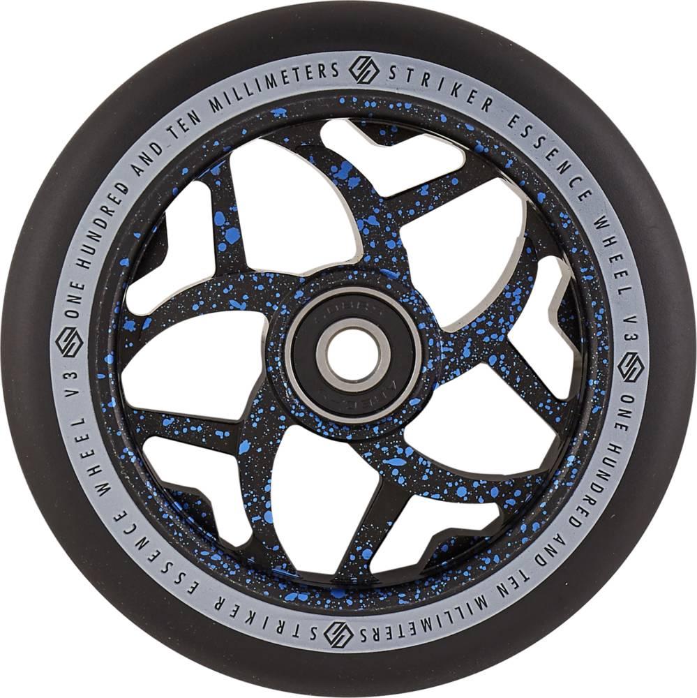 sportstoys.se-striker-essence-v3-black-pro-scooter-wheel-blå